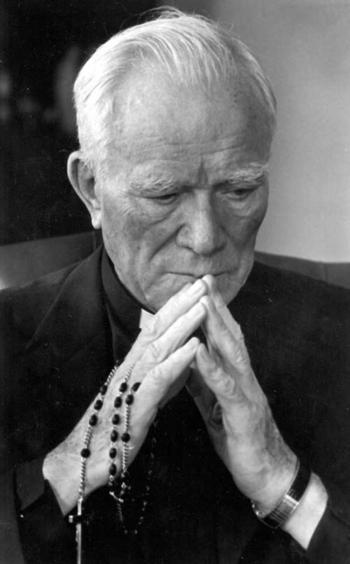 fr_peyton_praying_bw